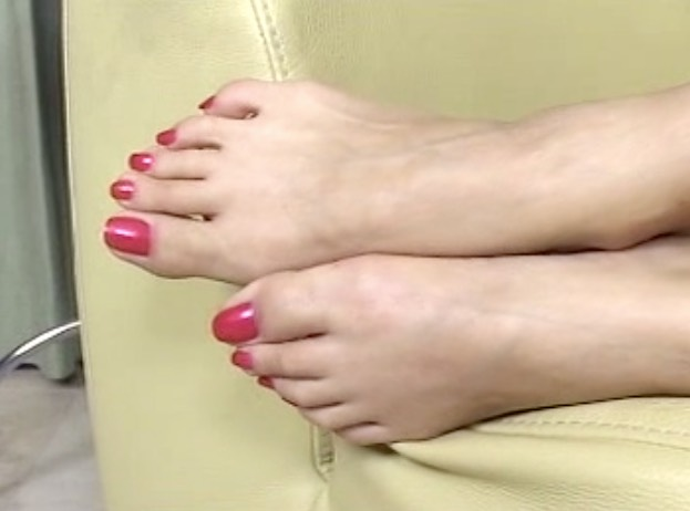 Japanese Long Toenails