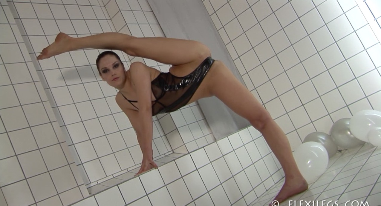 Flexible Foot Fetish Fun