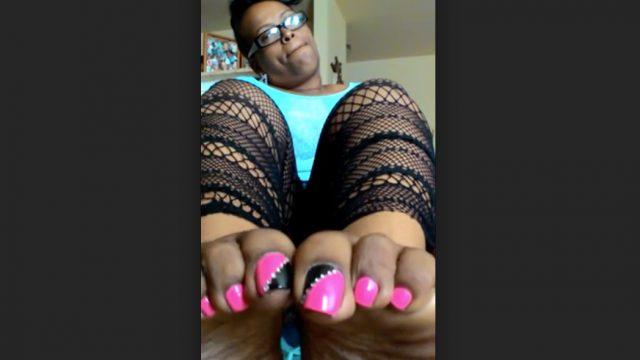old school ebony long toenails
