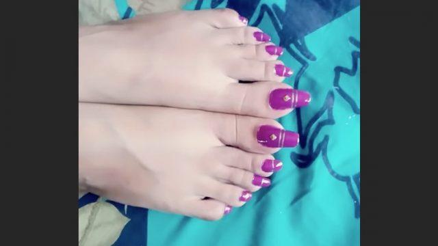 long indian toenails