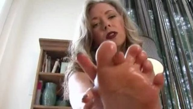 mommy foot verbal