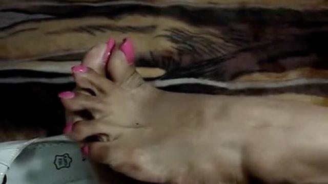 ebony long pink toenails