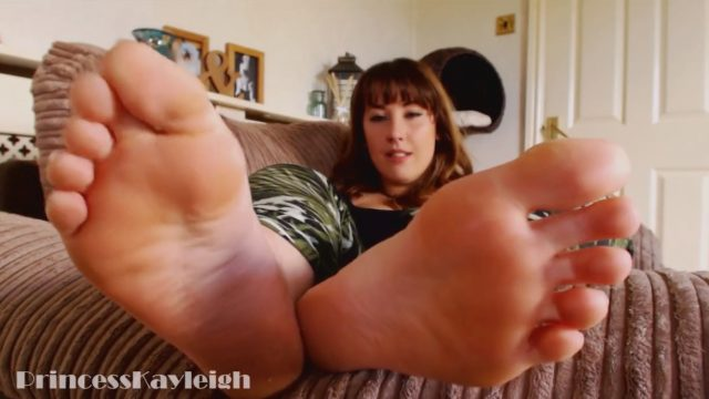 beautiful princess feet