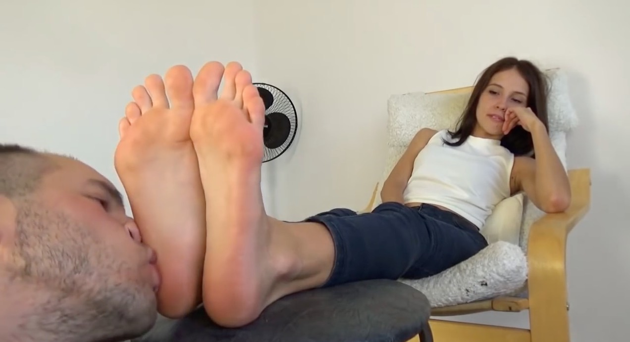 Ebony Teen Foot Worship