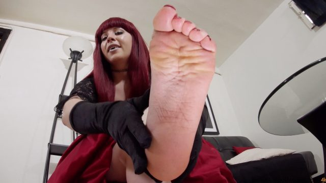 beautiful feet in 4k