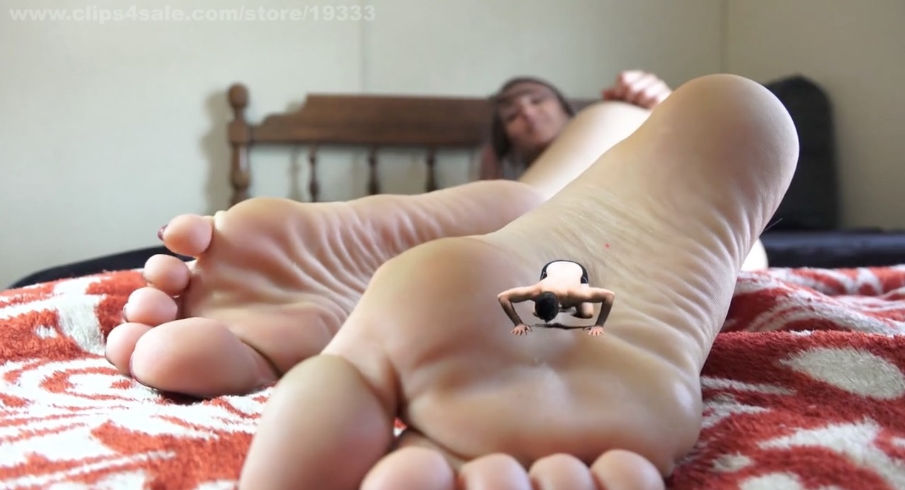 Beautiful Giantess Worship