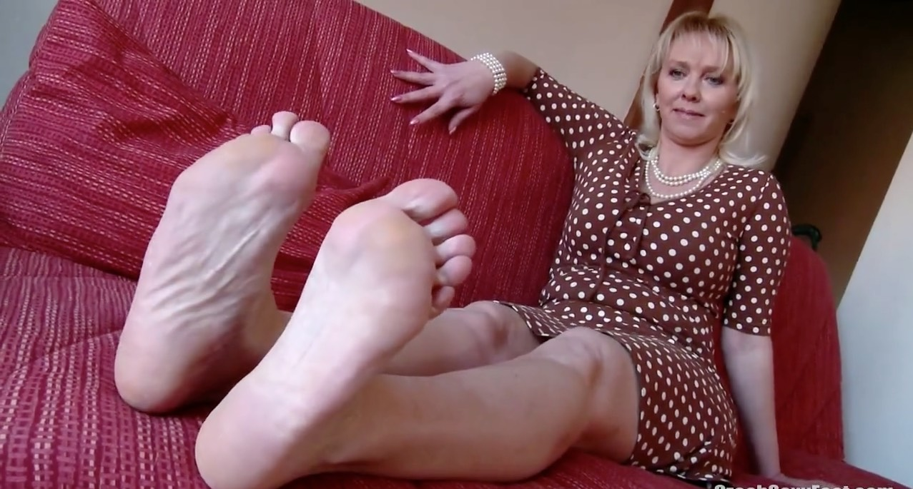 Mature Czech Foot Tease