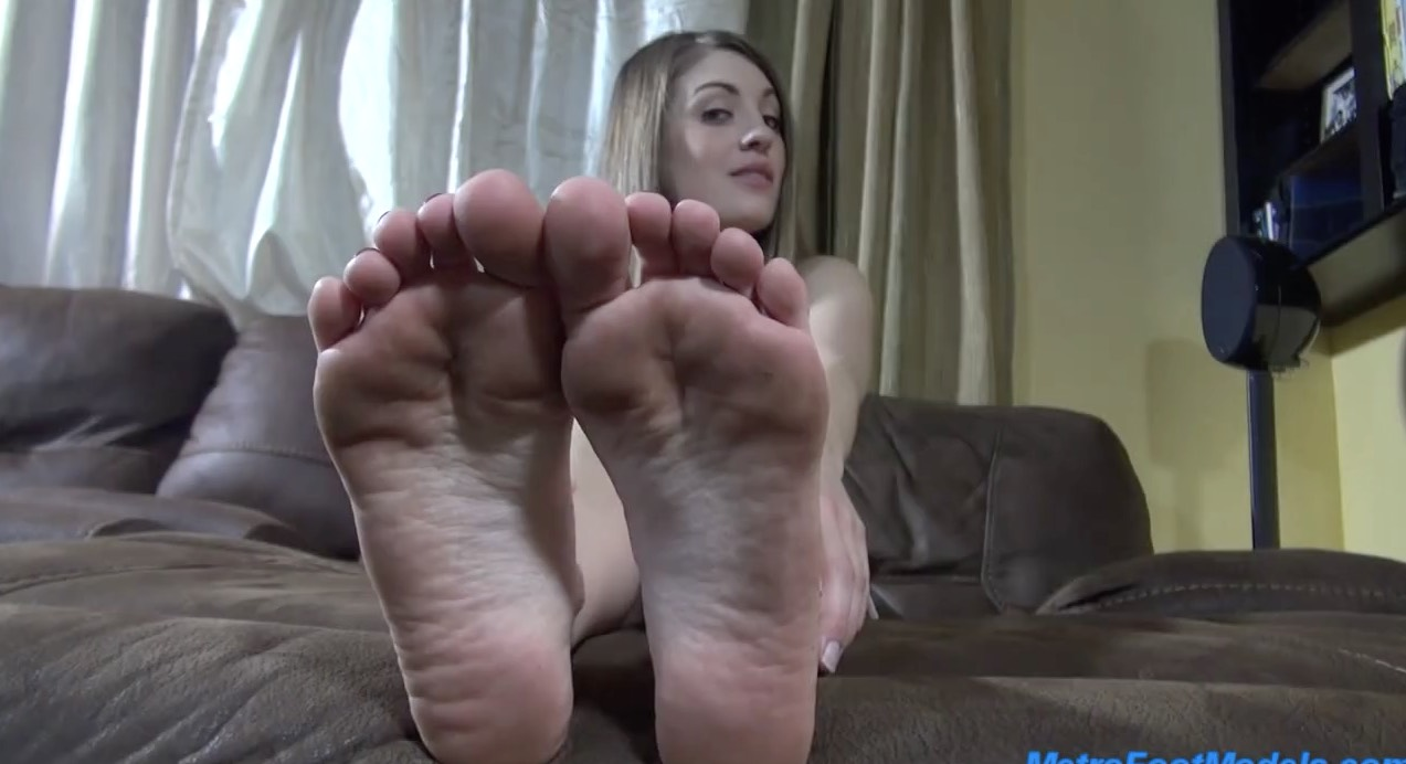 Sexy Foot Domme Verbal