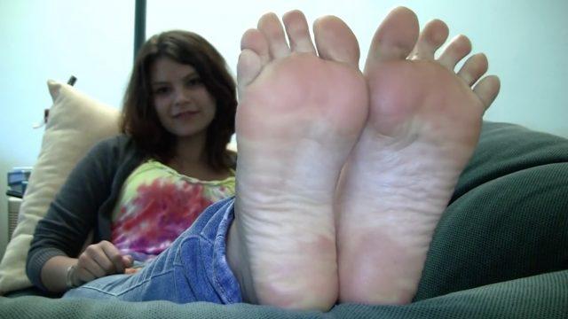 cute amateur feet