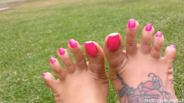 beautiful ebony long toenails