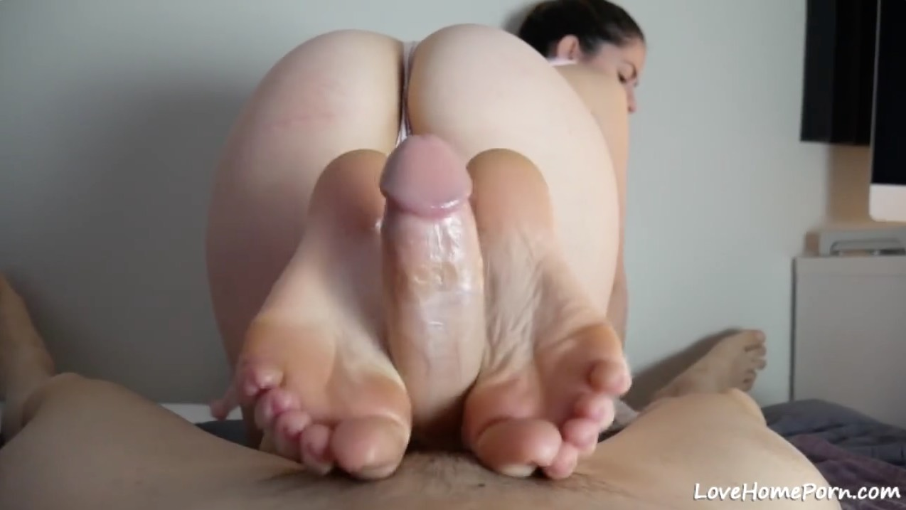 Amateur footjob videos