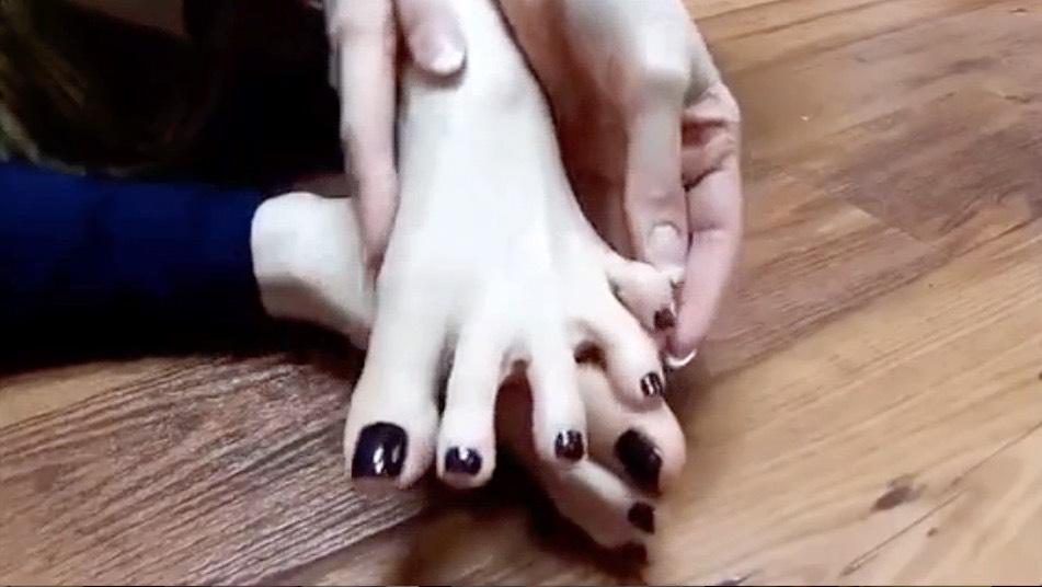 Violets Toes Tease