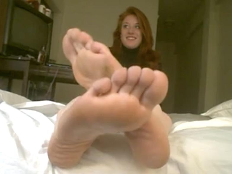 Amateur Redheaded Feet Tease