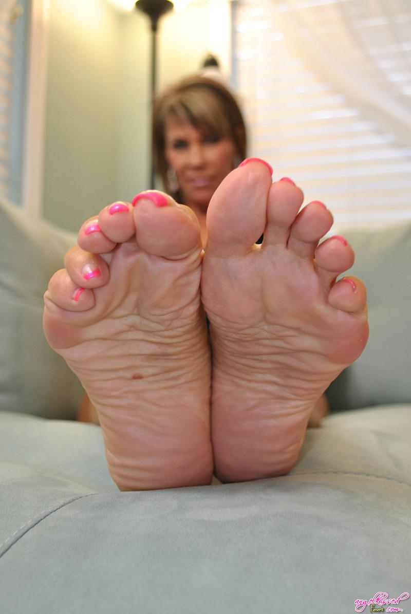 Kissing her soles erotic galleries, fuck being nice
