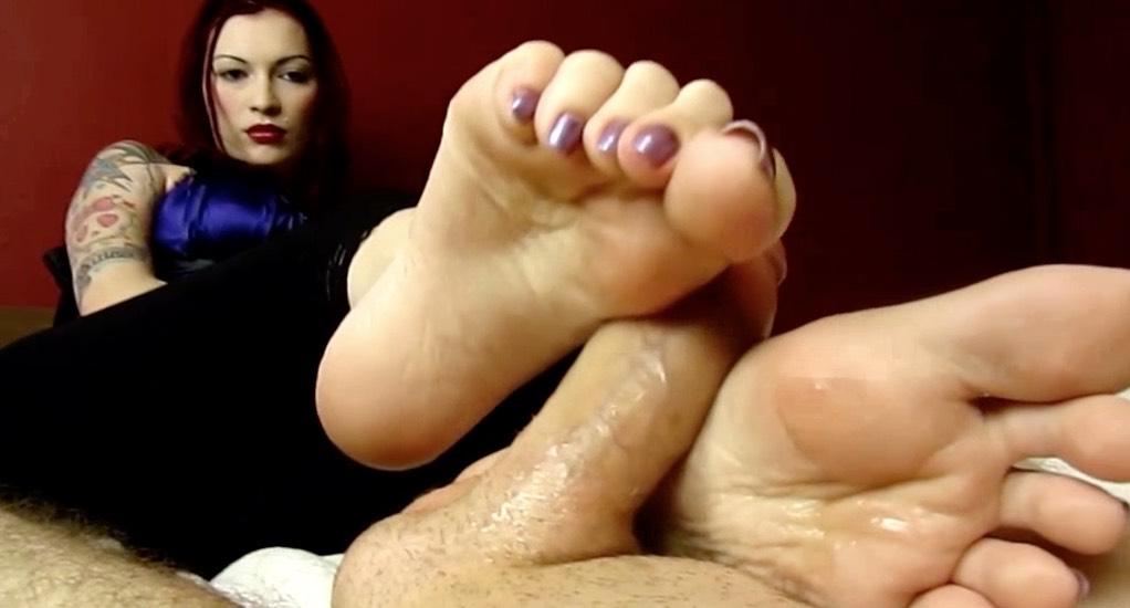 Asian Girl Fingered Public