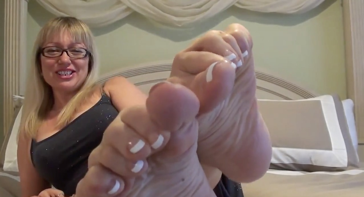 French Pedicure Tease