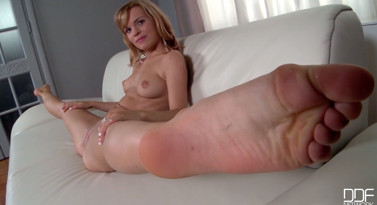 Amature foot fetish porn-6683