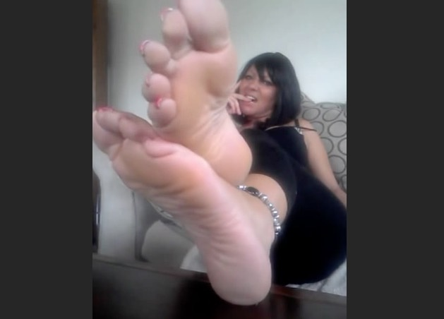 European MILF Foot Tease