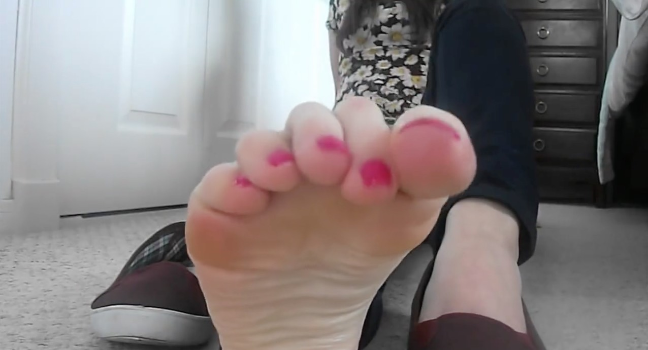 Giantess Babe POV Feet