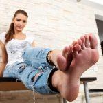 Feet Jeans