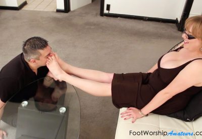 foot worship amateurs