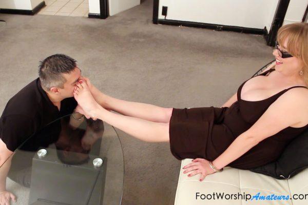 foot worship amateurs