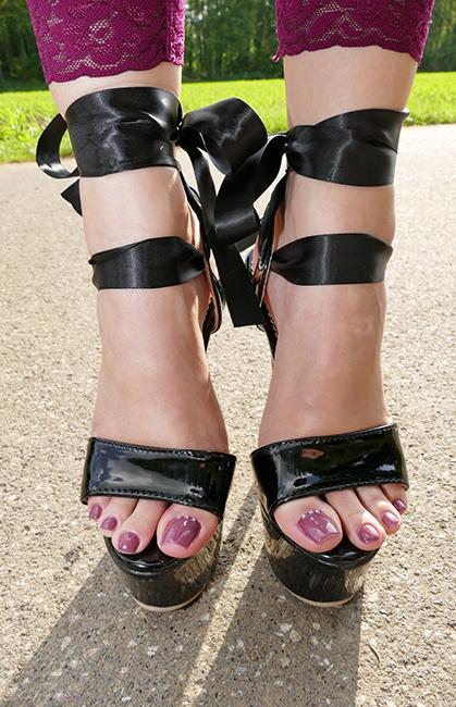 lenas-feet