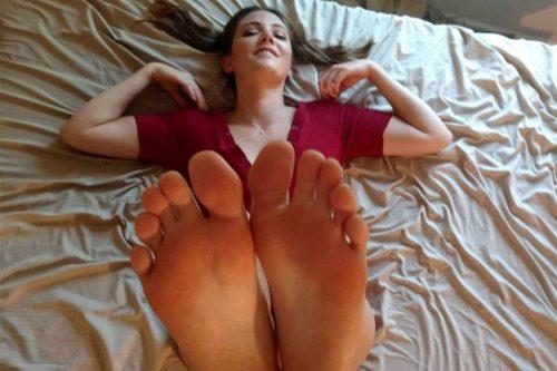 Kara the Foot Goddess